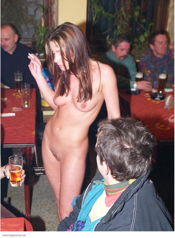 Пьяные Русские Девушки Голые В Общественных Местах