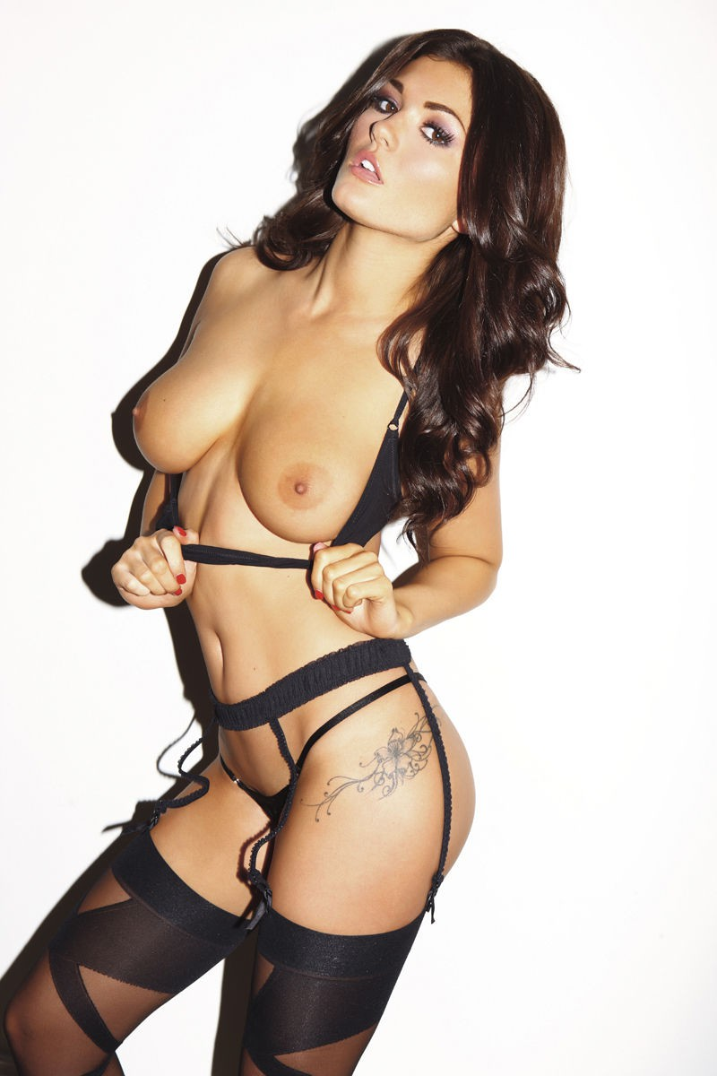 Nicole Neal & India Reynolds – Nuts magazin topless photoshoot