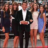 Stallone sa  suprugom i kćerima