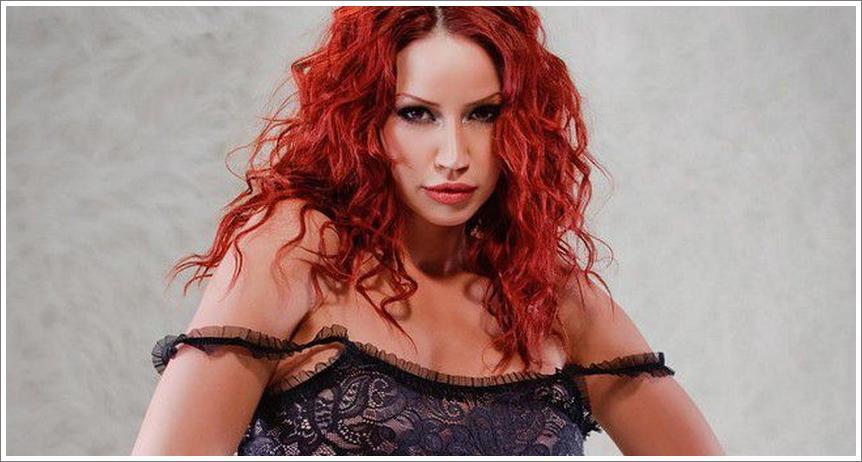 Bianca Beauchamp - mekoća i elastičnost