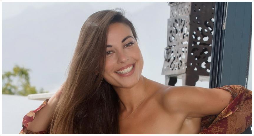 Uvijek nasmijana Lorena (HQ)
