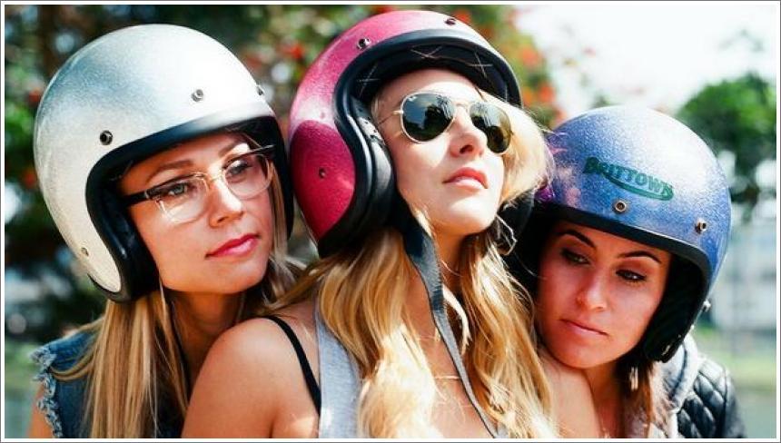 Djevojke i motocikli
