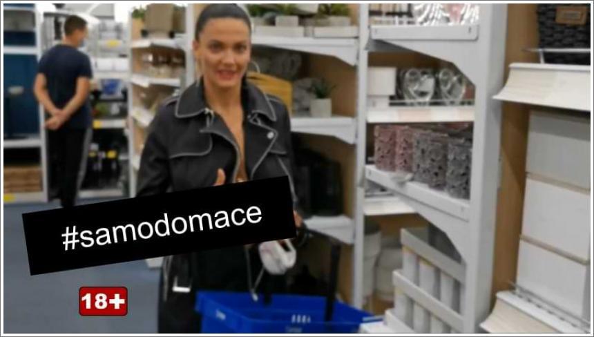 Gola kupuje u trgovini