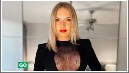 Seksi djevojke s crvenim karminom