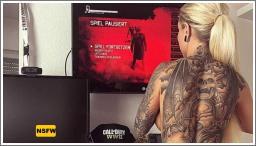 Vruće djevojke s tetovažama №9