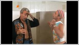 Gay ljubavnici u muškom WC-u